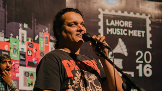 CFrontman-of-the-sufi-rock-group-Mekaal-Hassan-Band,-Mekaal-Hassan-on-stage-during-a-workshop-at-LMM2016-(Iman-&-Nadir)