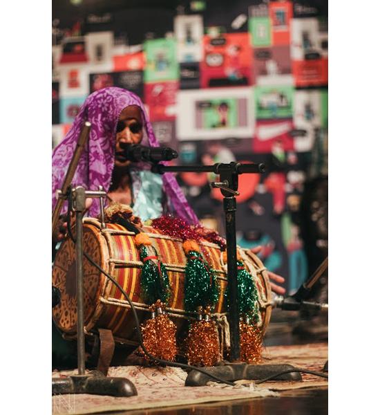 Folk-artist-Mai-Dai-always-draws-a-crowd,-whether-at-SXSW-or-LMM,-giving-everyone-a-taste-of-unadulterated-Sindhi-folk-music-(Iman-&-Nadir)
