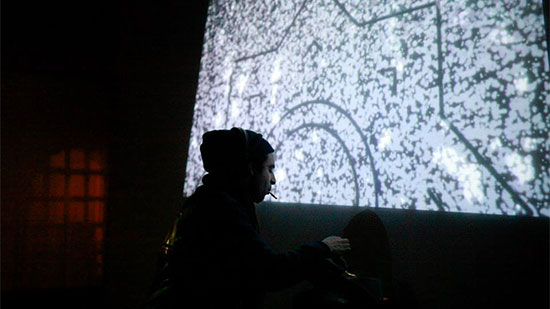 aVisuals-by-the-Border-Movement-Visual-Lab-at-Magnetic-Fields-2014.-Photo-by-Meesha-Holley_2